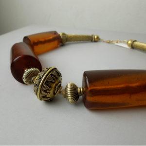 Collier ambra e antichi elementi in oro